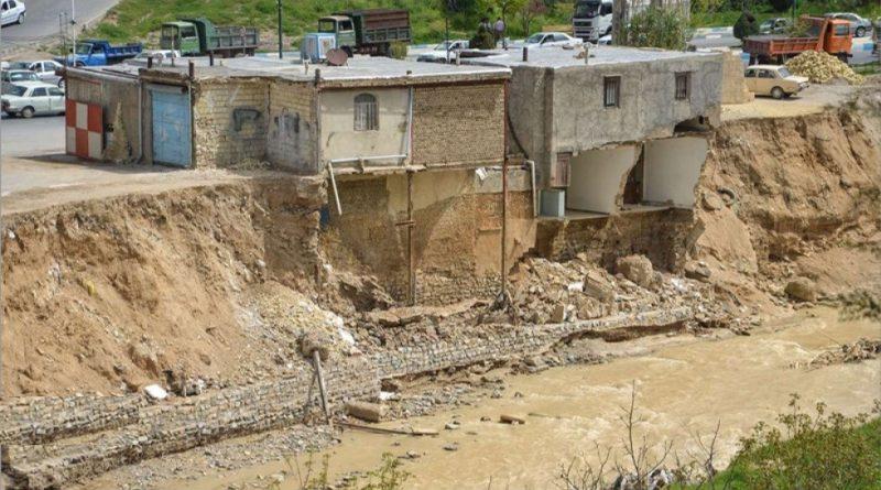 هرگونه ساخت و ساز در حریم بستر رودخانه ممنوع می باشد